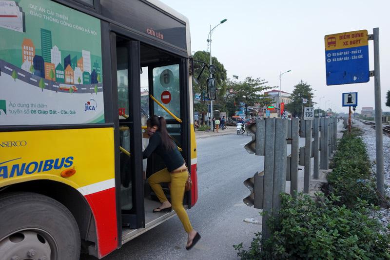 Bến xe buýt, tử thần, quốc lộ
