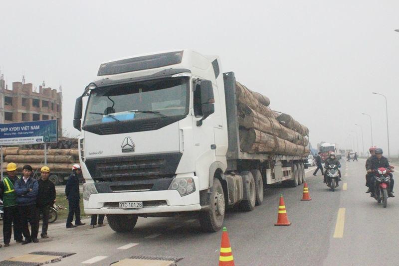xe quá tải, vây bắt, đoàn xe, chở gỗ, Nghệ An