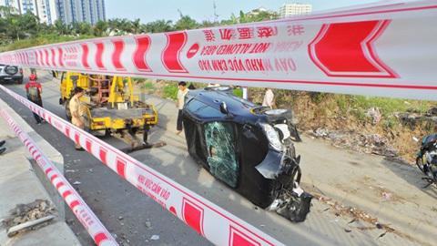 bùn nhão, ôtô, xuống đường, Sài Gòn, tài xế