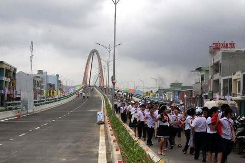 Hàng nghìn người, cầu vượt, 3 tầng, Đà Nẵng
