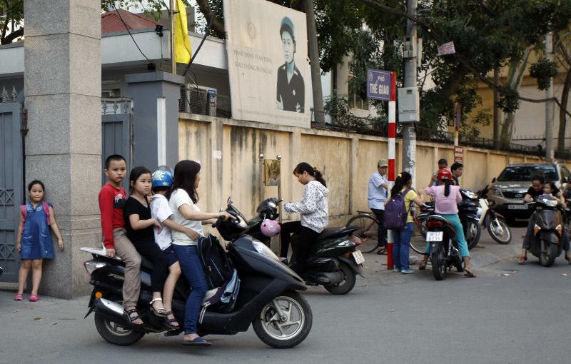 xử phạt, MBH, học sinh, đầu trần, Hà Nội