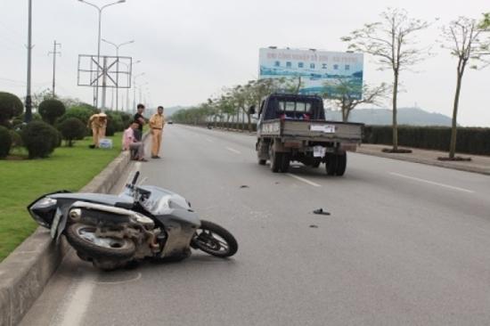 xe máy, ngược chiều, xe CSGT, tử vong, Cầu Rào, Hải Phòng