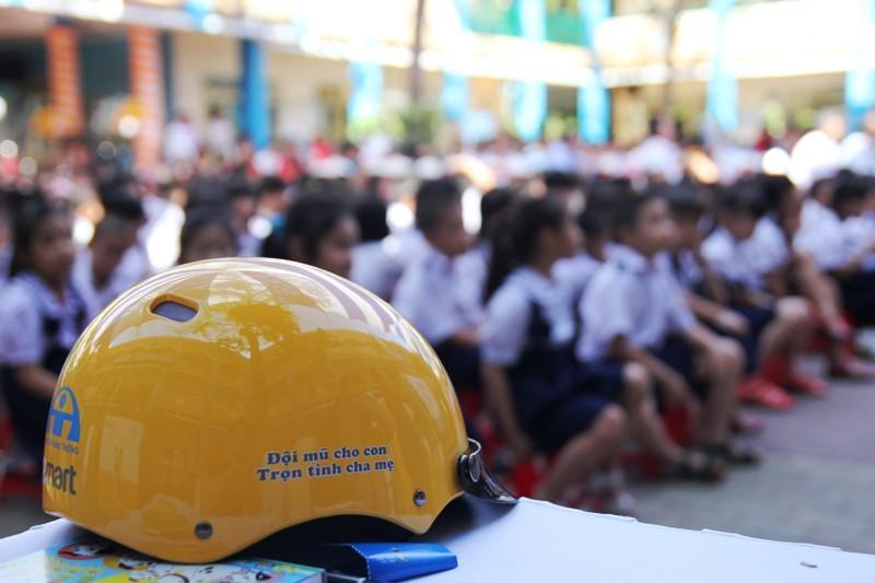 mũ bảo hiểm, học sinh, an toàn giao thông