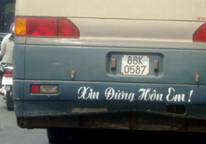 cười đau bụng, khẩu hiệu 'độc', sau xe ô tô
