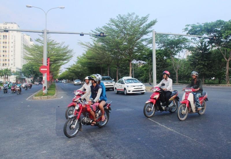 tai nạn, giao thông, Nguyễn Văn Linh, ùn tắc, tử thần, Lê Văn Lương, quận 7
