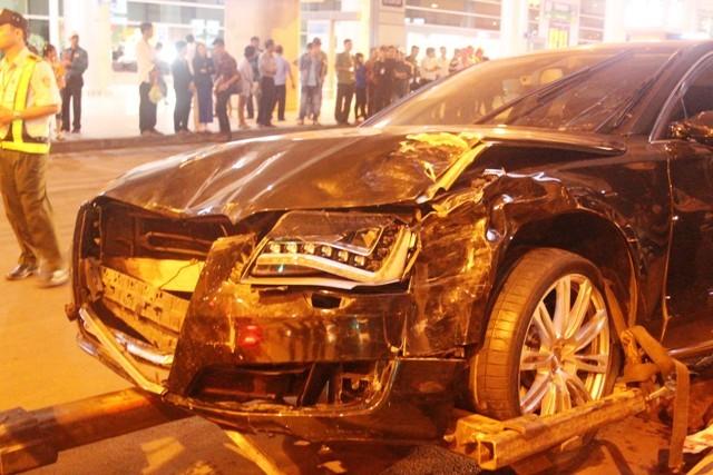 Tai nạn, nhấn nhầm, chân ga, nguyên nhân, nhấp môi, lái xe
