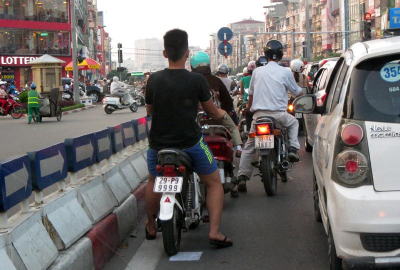 xe đạp điện; biển đẹp; biển xanh; CSGT